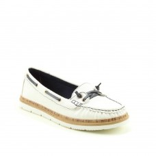 Heavenly Feet Ladies lightweight moccasin shoe, style Collett.(White)
